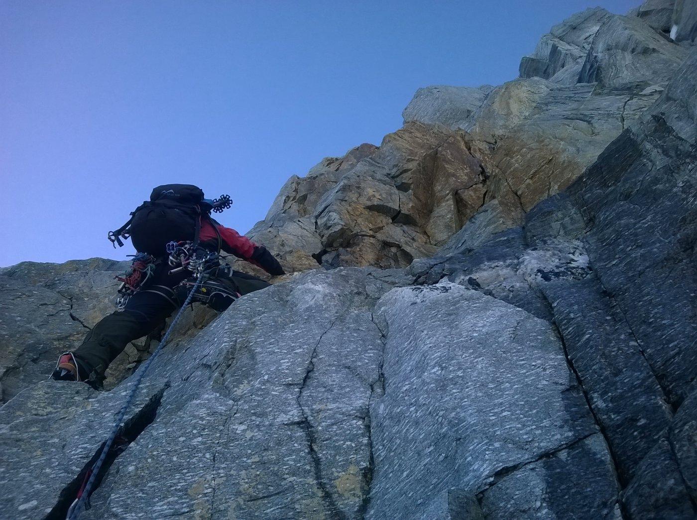 Fabrizio sulla barra rocciosa