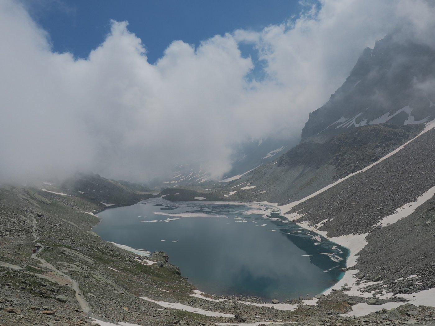 Il Lago Grande di Viso visto dai piedi del Viso Mozzo