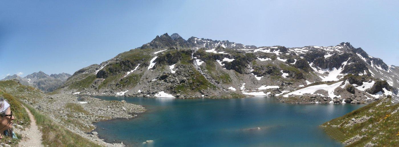 primo lago  con ampio panorama..