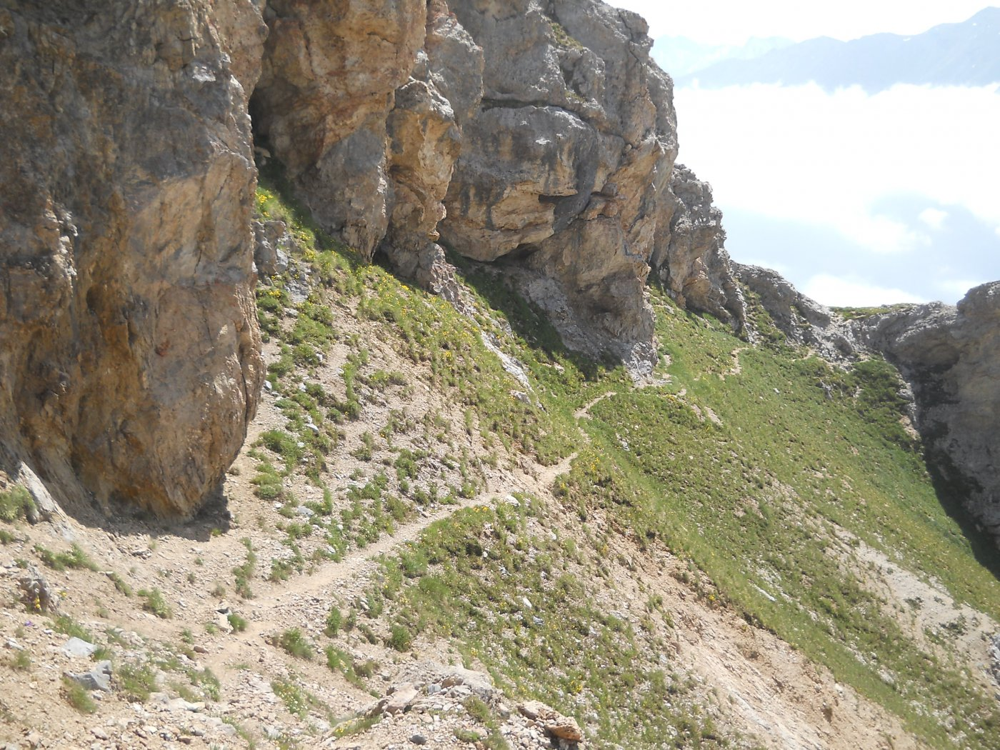 tratto di sentiero da attenzione tra punta clopacà e cima del vallone
