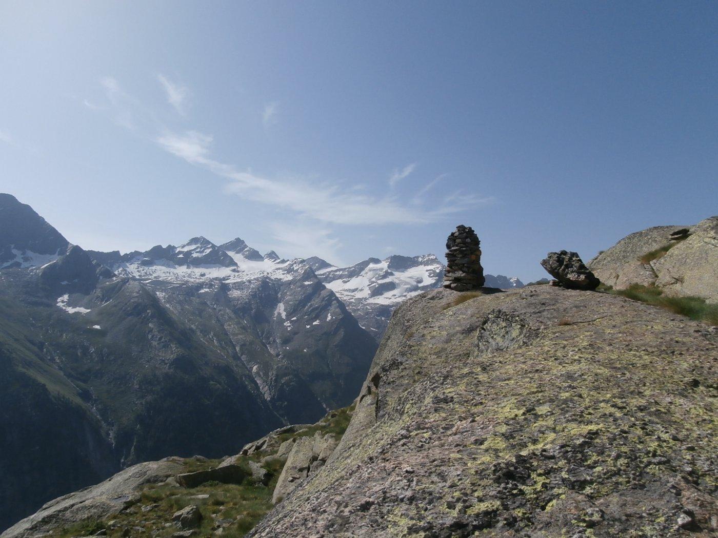 panorama verso la Valeille  dall' omentto dopo la pietraia..