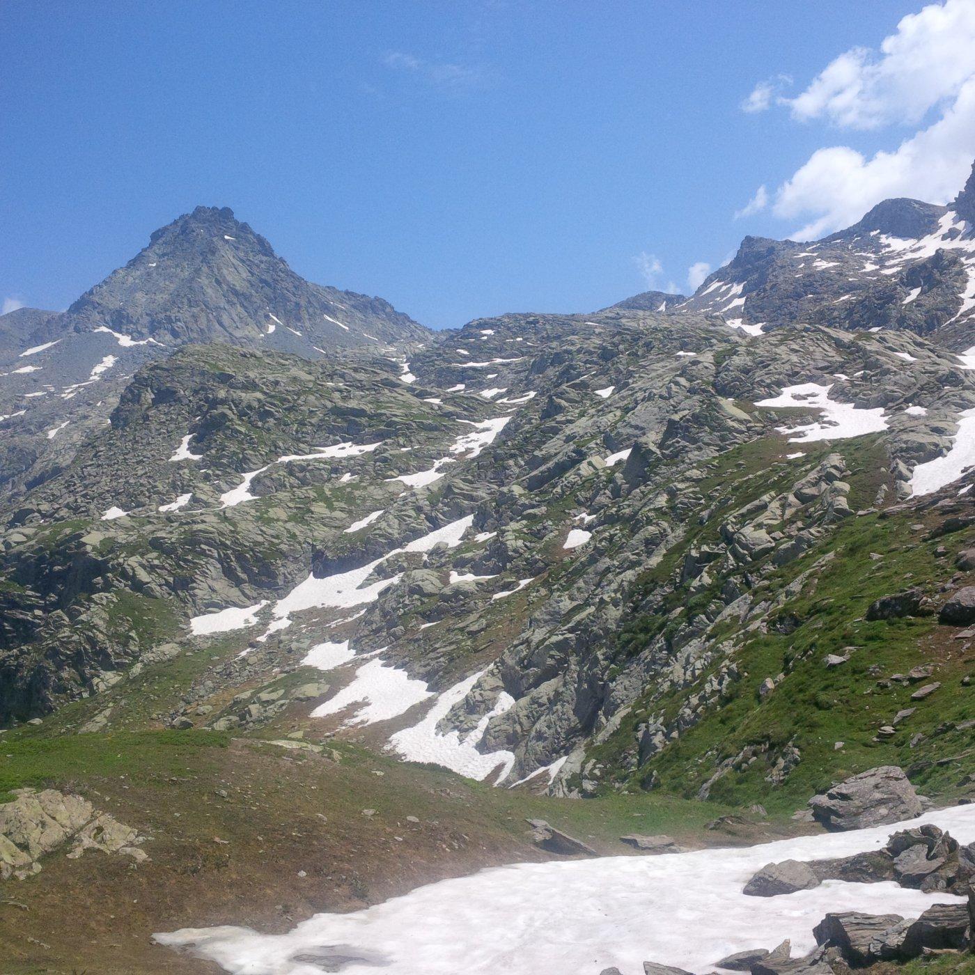 La cima dai pressi del rifugio Granero (foto E. Lana).
