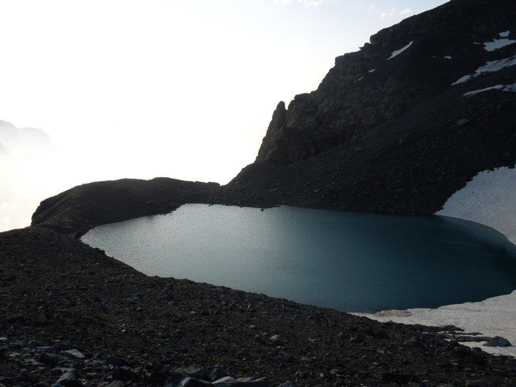 Si passa al fono del Lago Bertà
