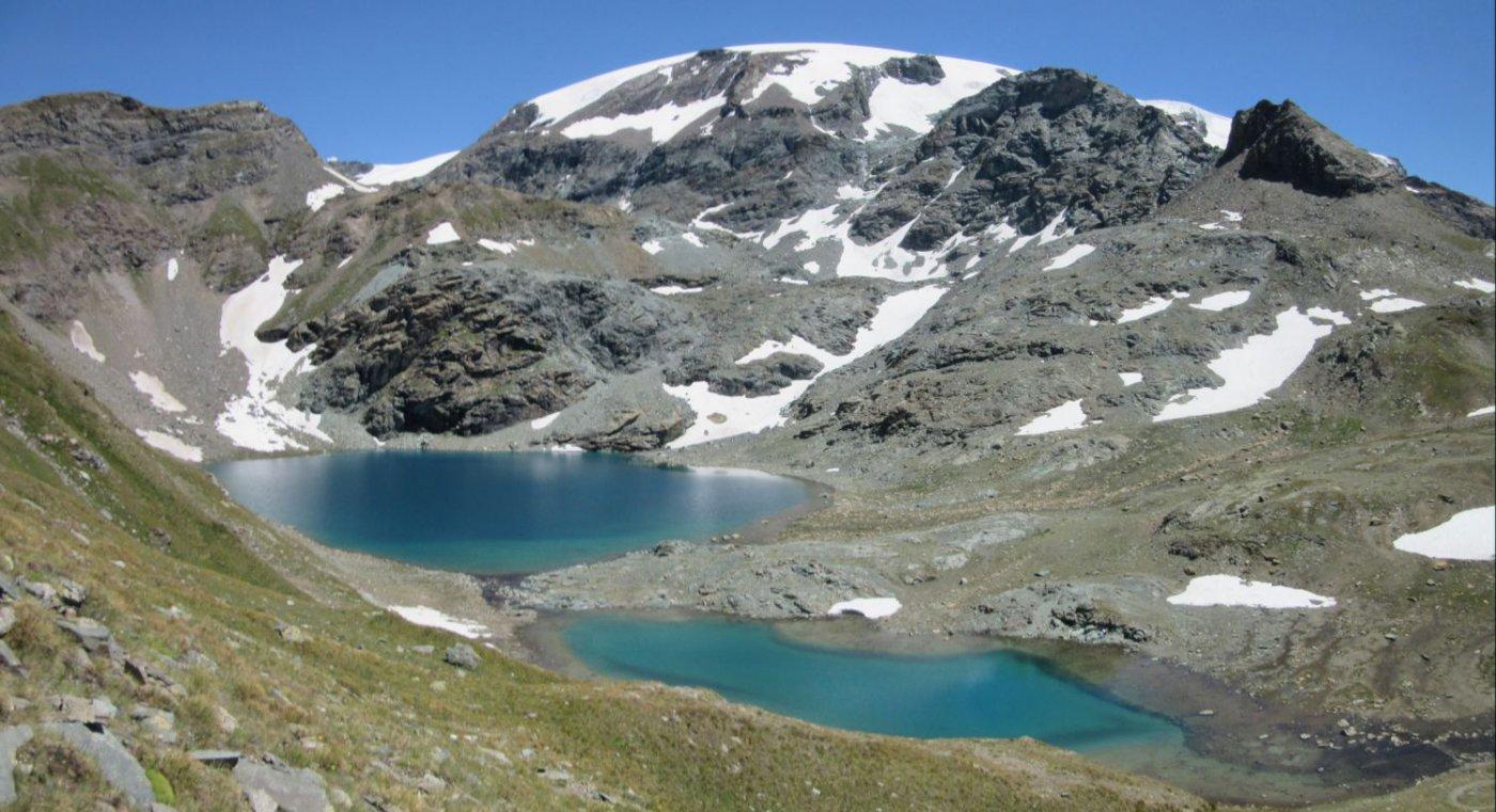 Gran Lac sotto il colle