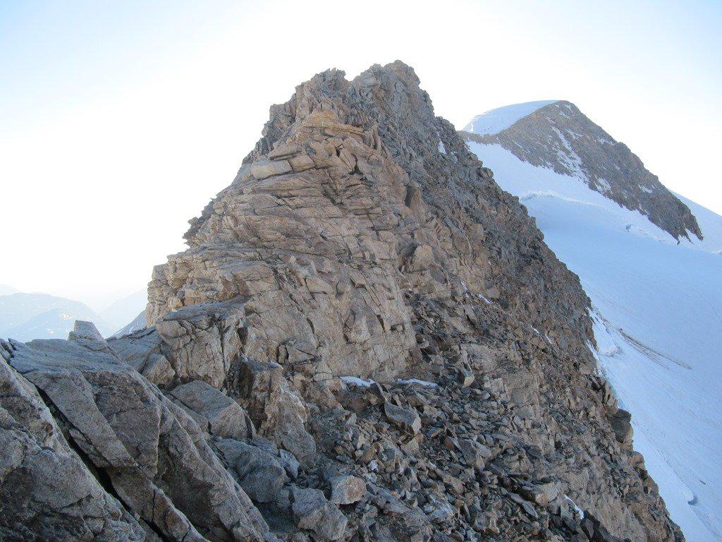 La cresta rocciosa che conduce al Palù