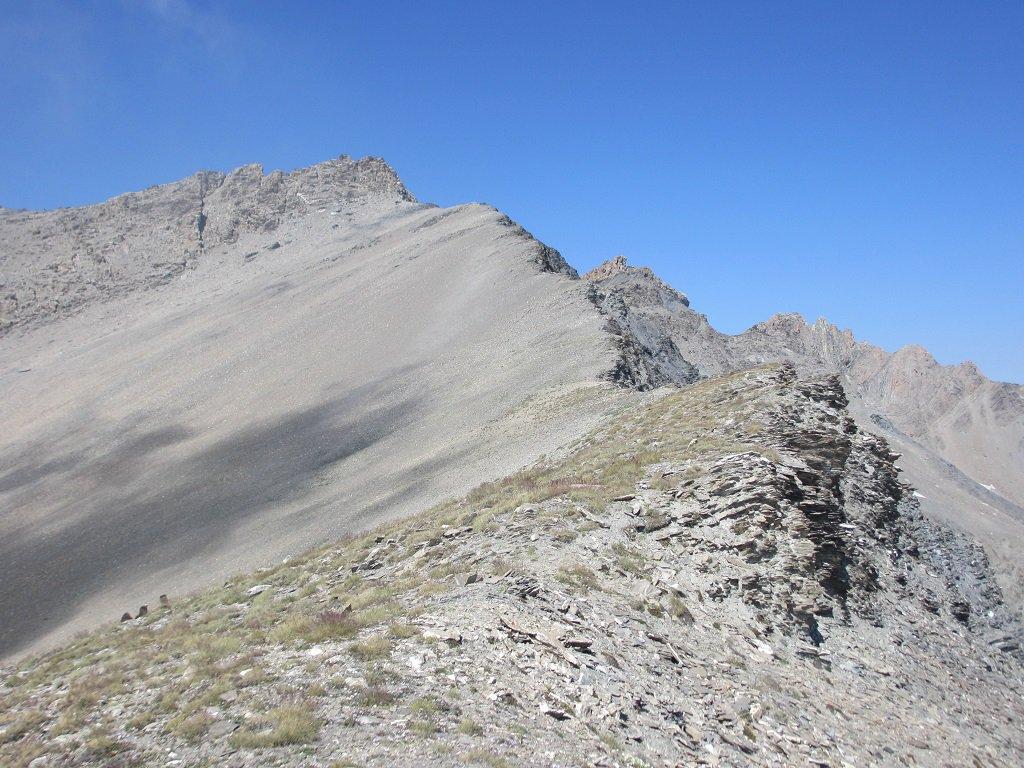 La cresta est dalla quota 3006 m