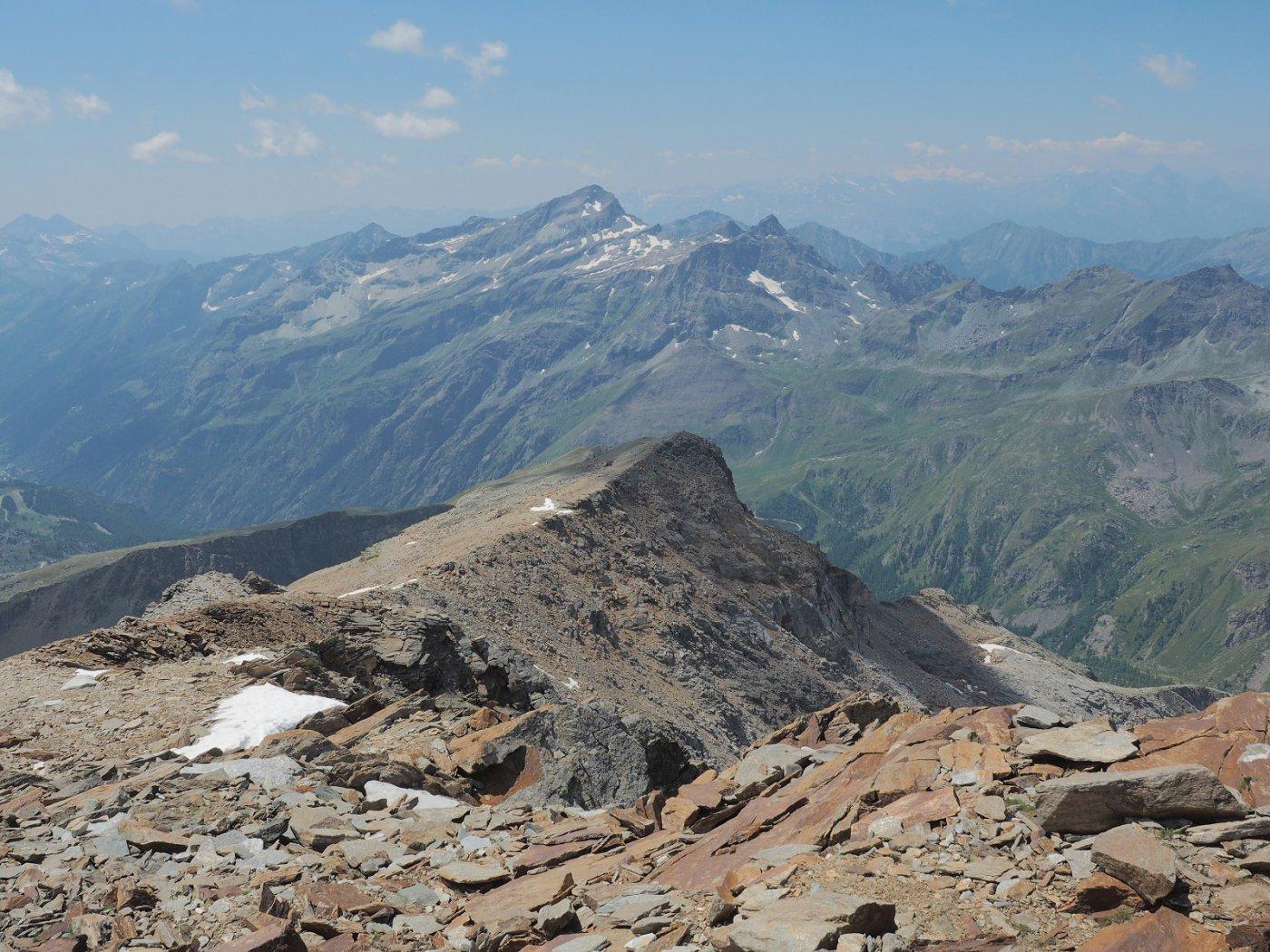 Vista dell'Hochlicht, in basso, dalla cima a 3348 m