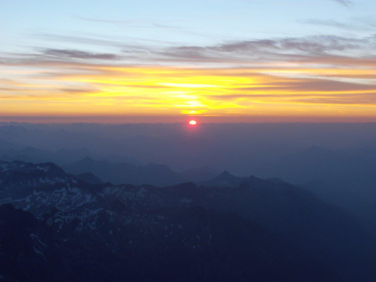 09 - alba dalla Capanna Regina Margherita
