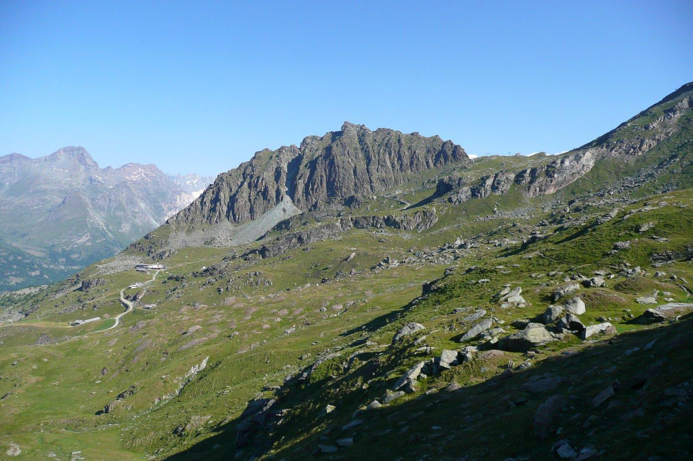 il Monte Sarezza sopra il Crest ed Ostafa