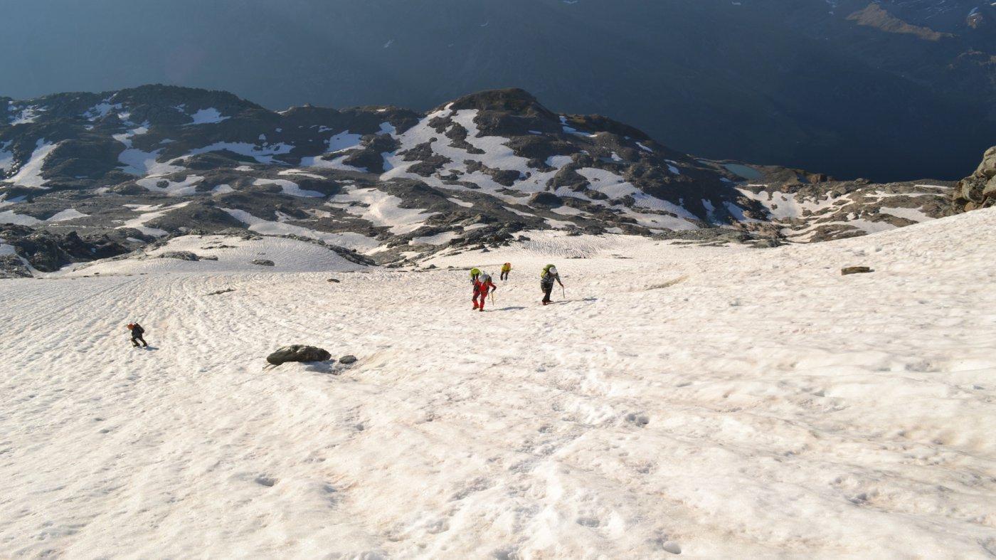 Sul ghiacciaio guardando indietro
