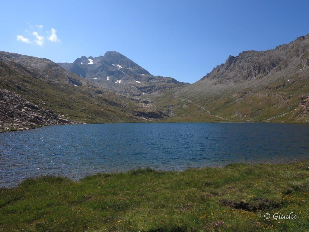 Lac de Foreant, in fondo il Col Vieux al centro e il Pan di Zucchero a sinistra