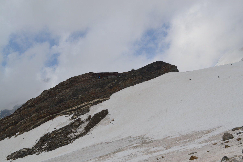 il traverso su neve per il Gnifetti