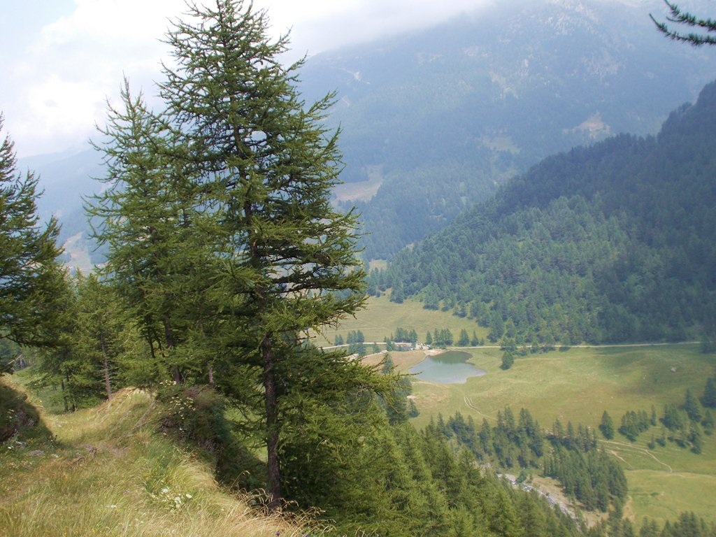 il laghetto a Bout du Col dal sentiero