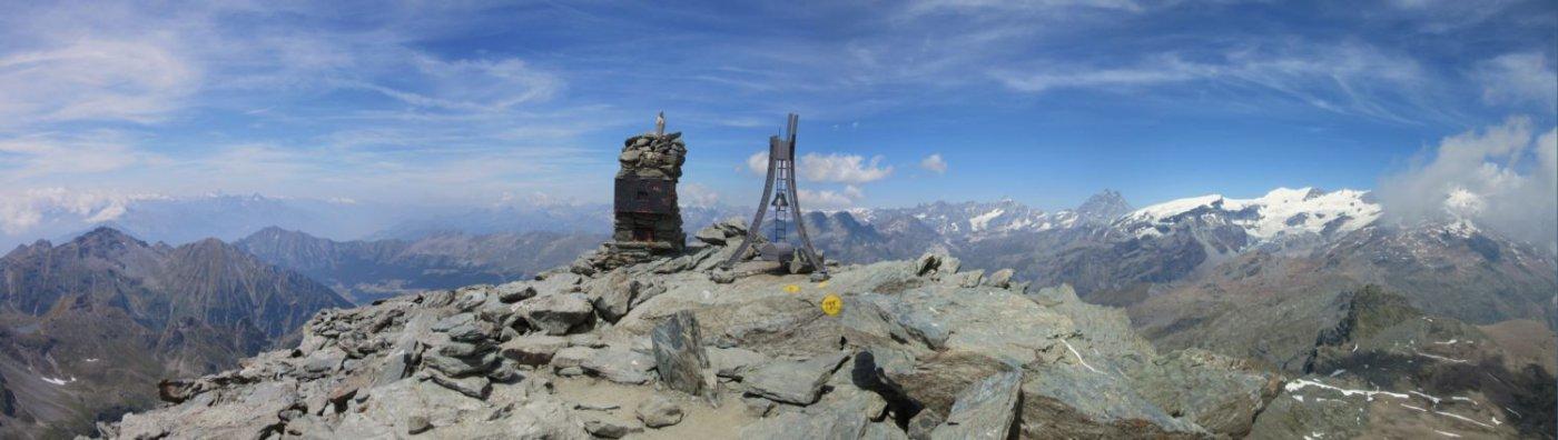 Panorama dalla punta della Testa Grigia