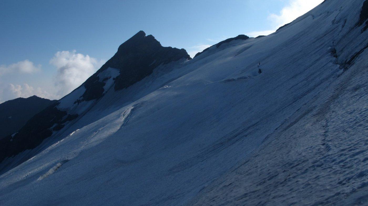 Sul ghiacciaio con la Petit Sassiere sullo sfondo