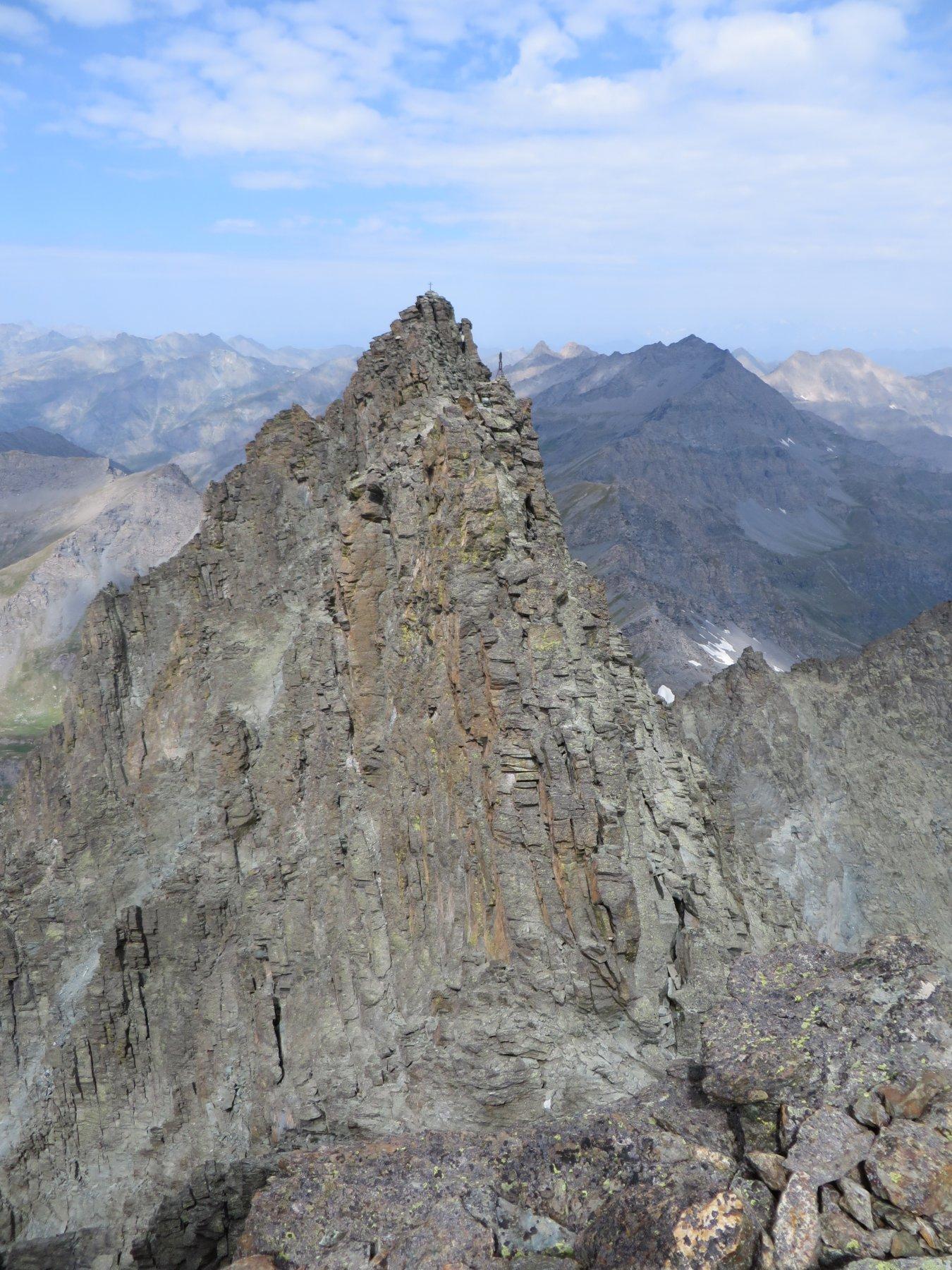 La traversata dei tre Picchi, dal Montaldo vista sul Coolidge e il Lanino