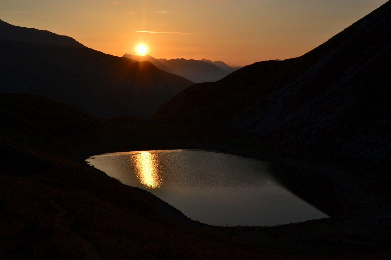 Lago Branchino al sorgere del sole