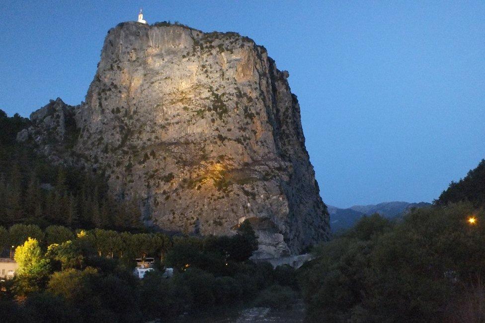 La Rocca in notturna