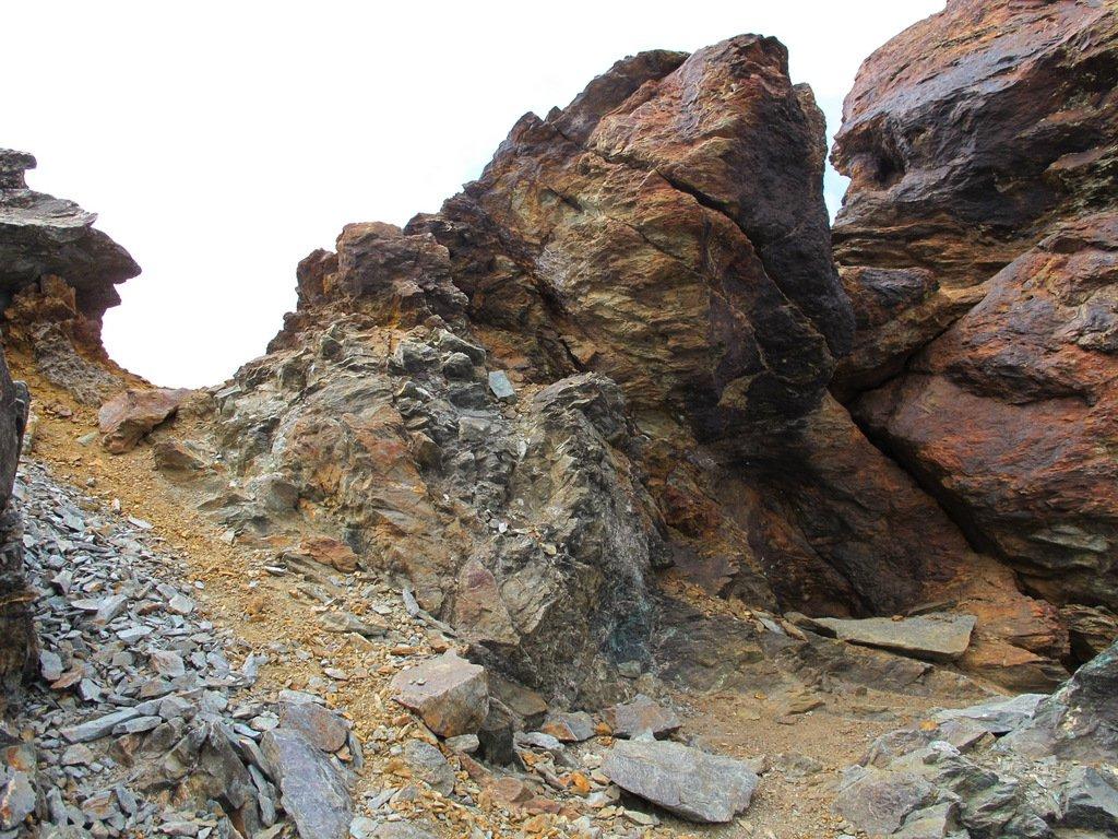 L'intaglio nei pressi del Colle Arcano