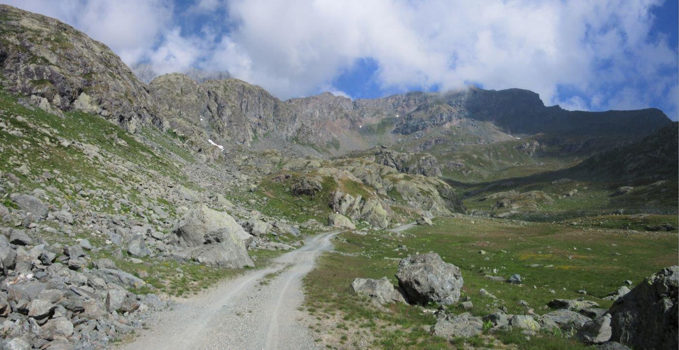 Il masso dove parte il sentiero