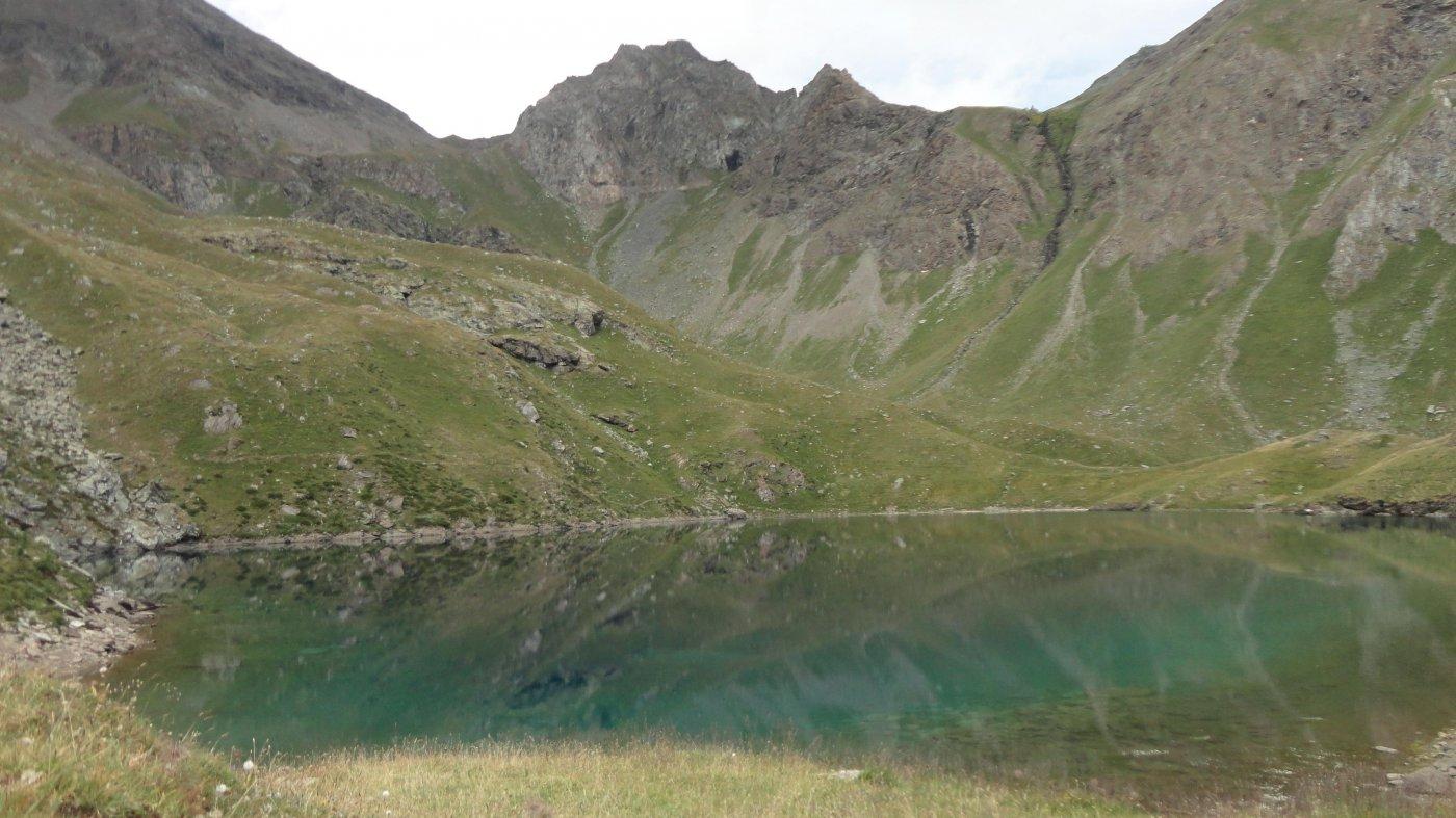 il lago e il colle a sx