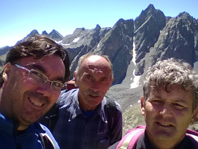 selfie con panorama su Rocca Rossa