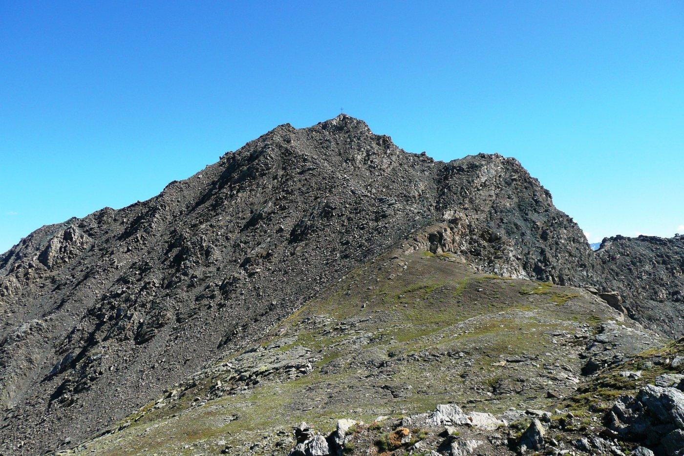 il percorso di ritorno per la cresta nord, primo tratto abbastanza impegnativo, dal ripiano della Testa Nera