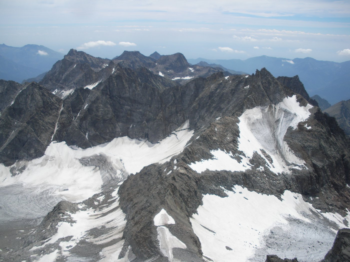 i monti Canavesani..con in primo piano in basso il Colle di Teleccio..