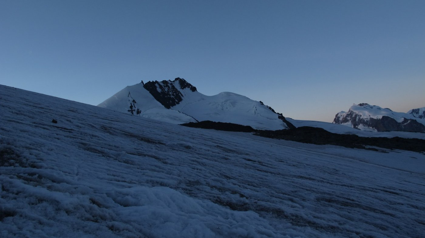 Inizio ghiacciaio con Rimpfishhorn sullo sfondo