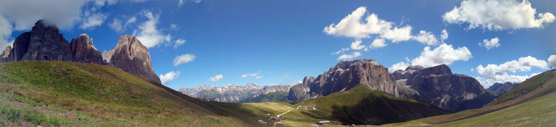 Panorama sulla Val Gardena vicino al Rifugio Friedrich August