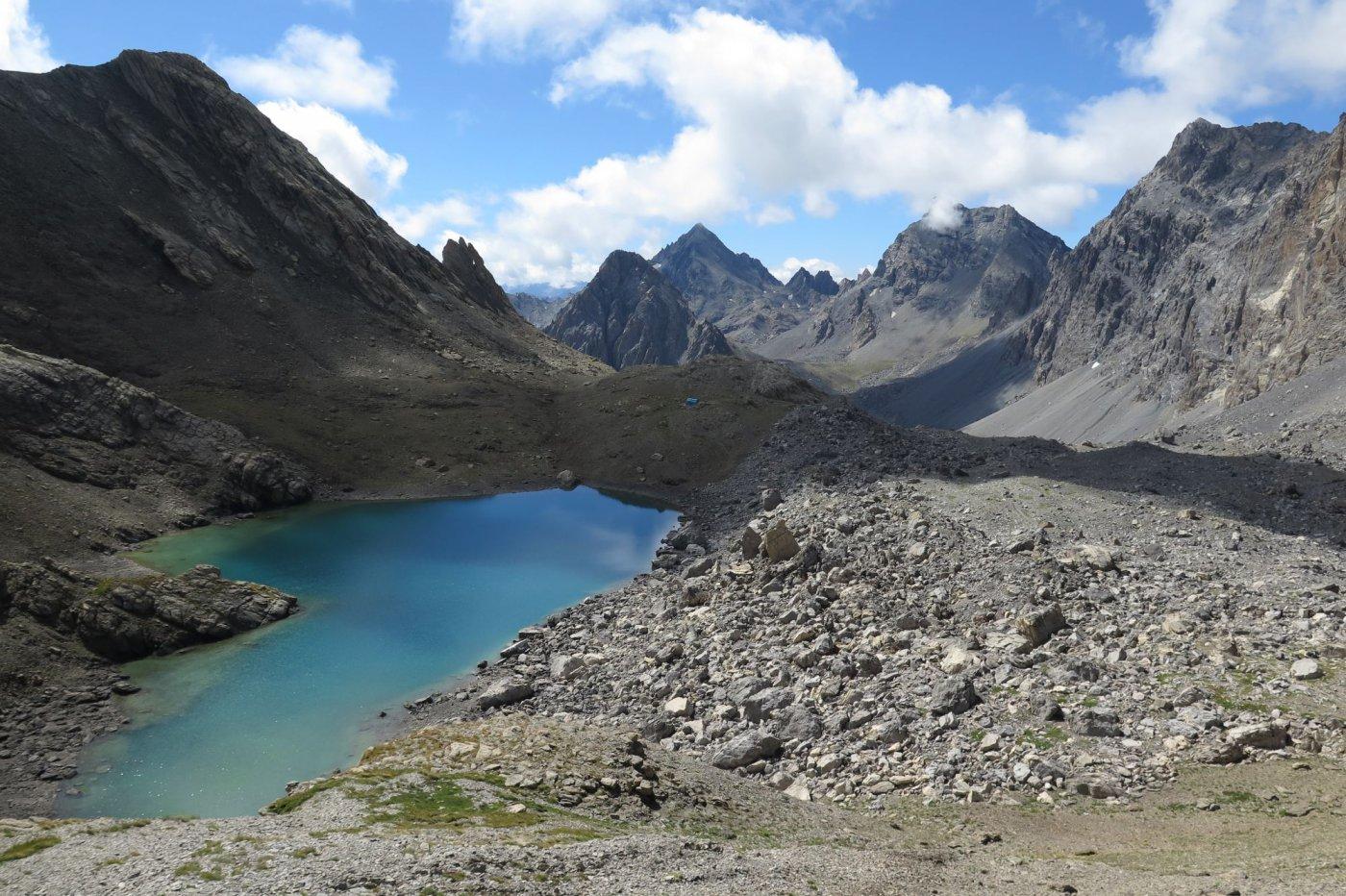 Bivacco Barenghi e il Lago del Vallonasso