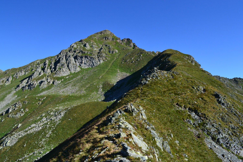 la cresta da percorrere per la cima