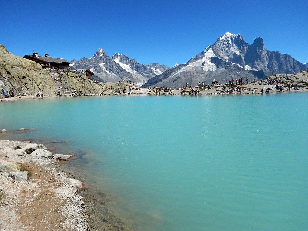 Lago e Chalet du Lac Blanc a sx