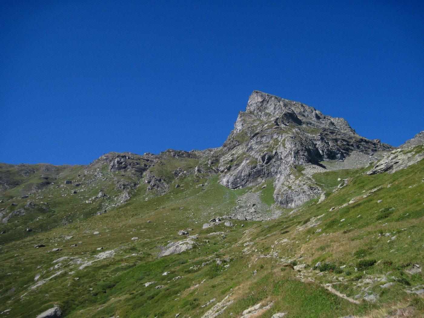 La Rocca Turo; da sotto sembra una montagna seria