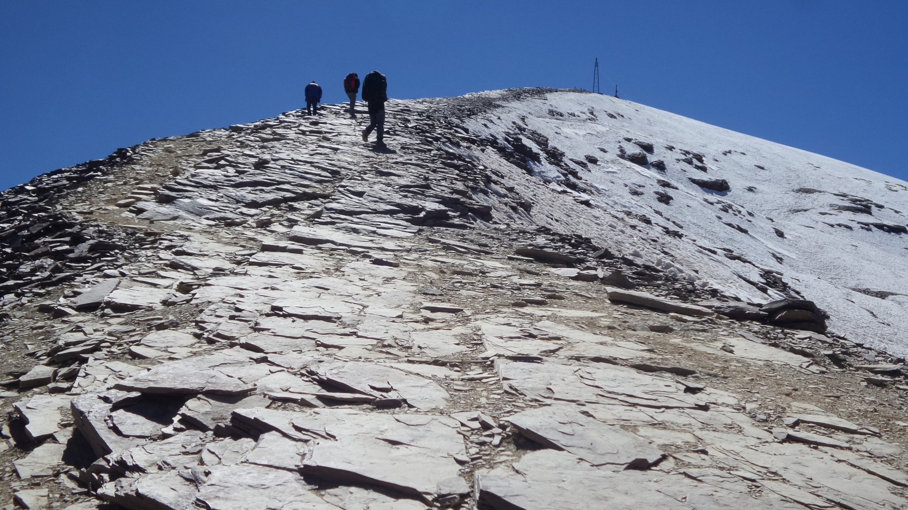 primi passi sull'ampio crestone NO del Pico Chacaltaya (10-8-2015)
