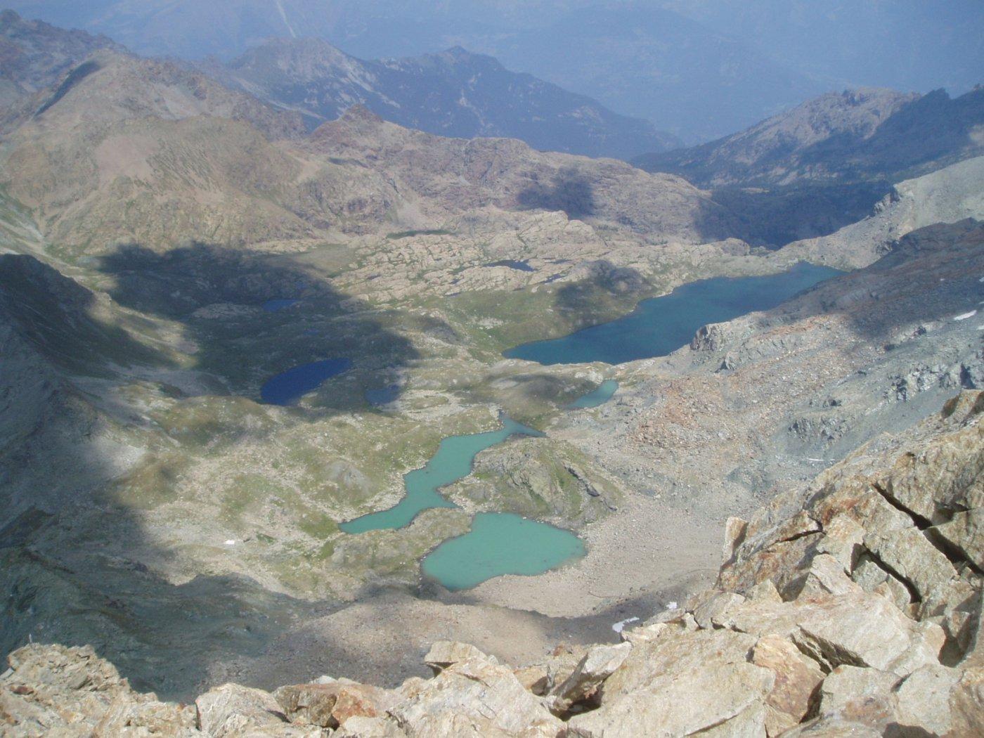 La serie di laghetti dal Gran Lago al Col medzouve