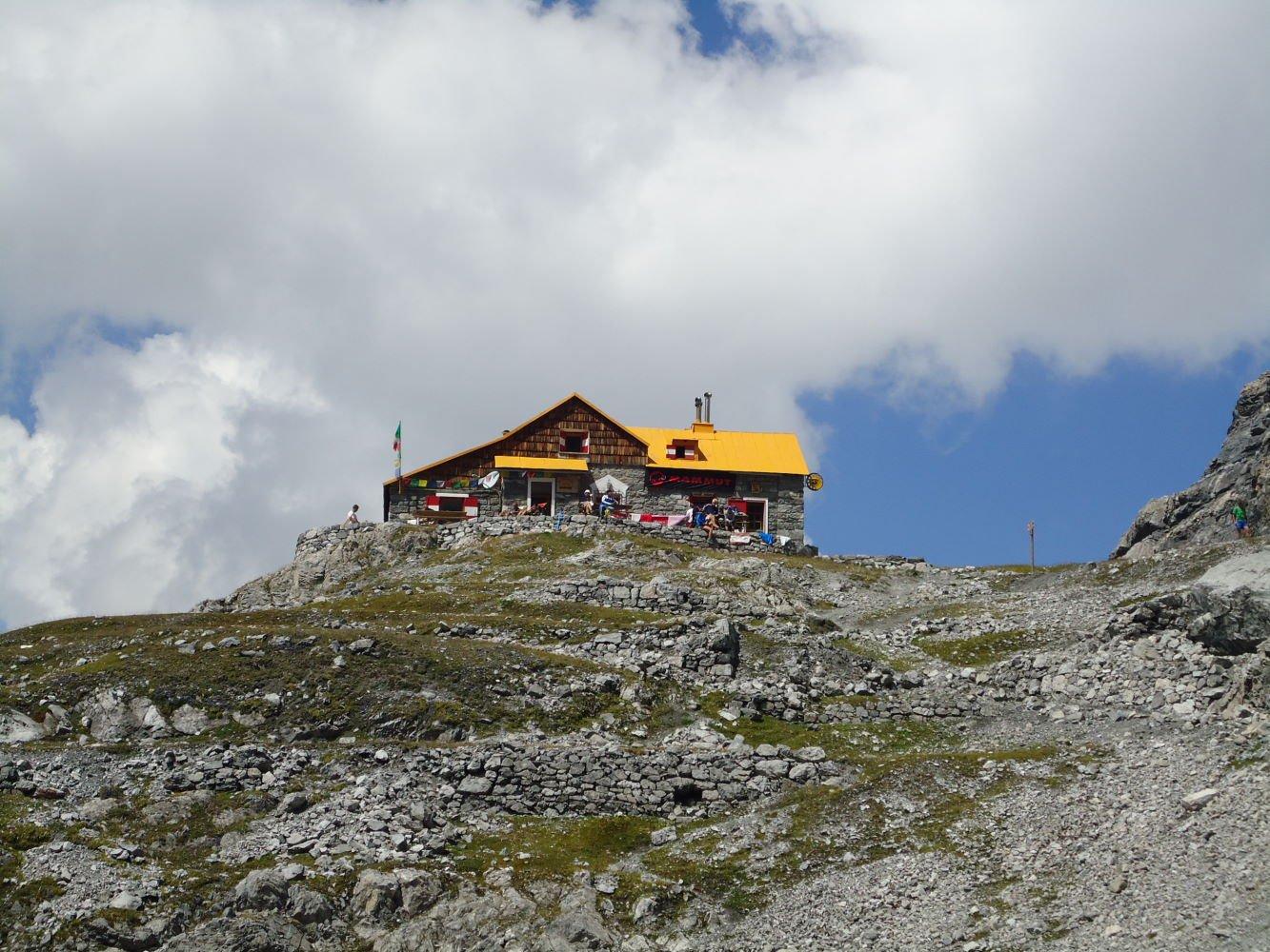 Quinto Alpini (Rifugio) dalla Val Zebrù 2015-08-11