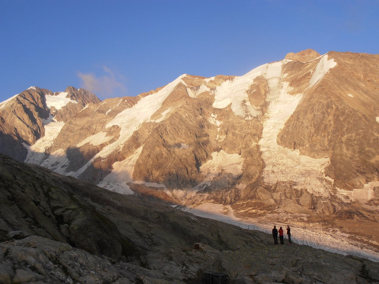 03 - tramonto sull'Aguille de Tre la Tete e Aguille des Glaciers