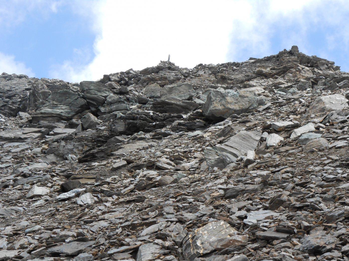 sotto la cima dopo la balze rocciose