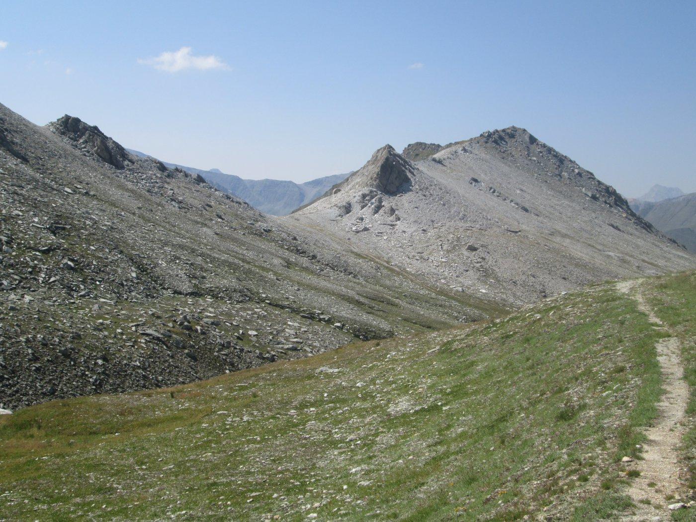 Colle di Reisassetto e monte Pertia
