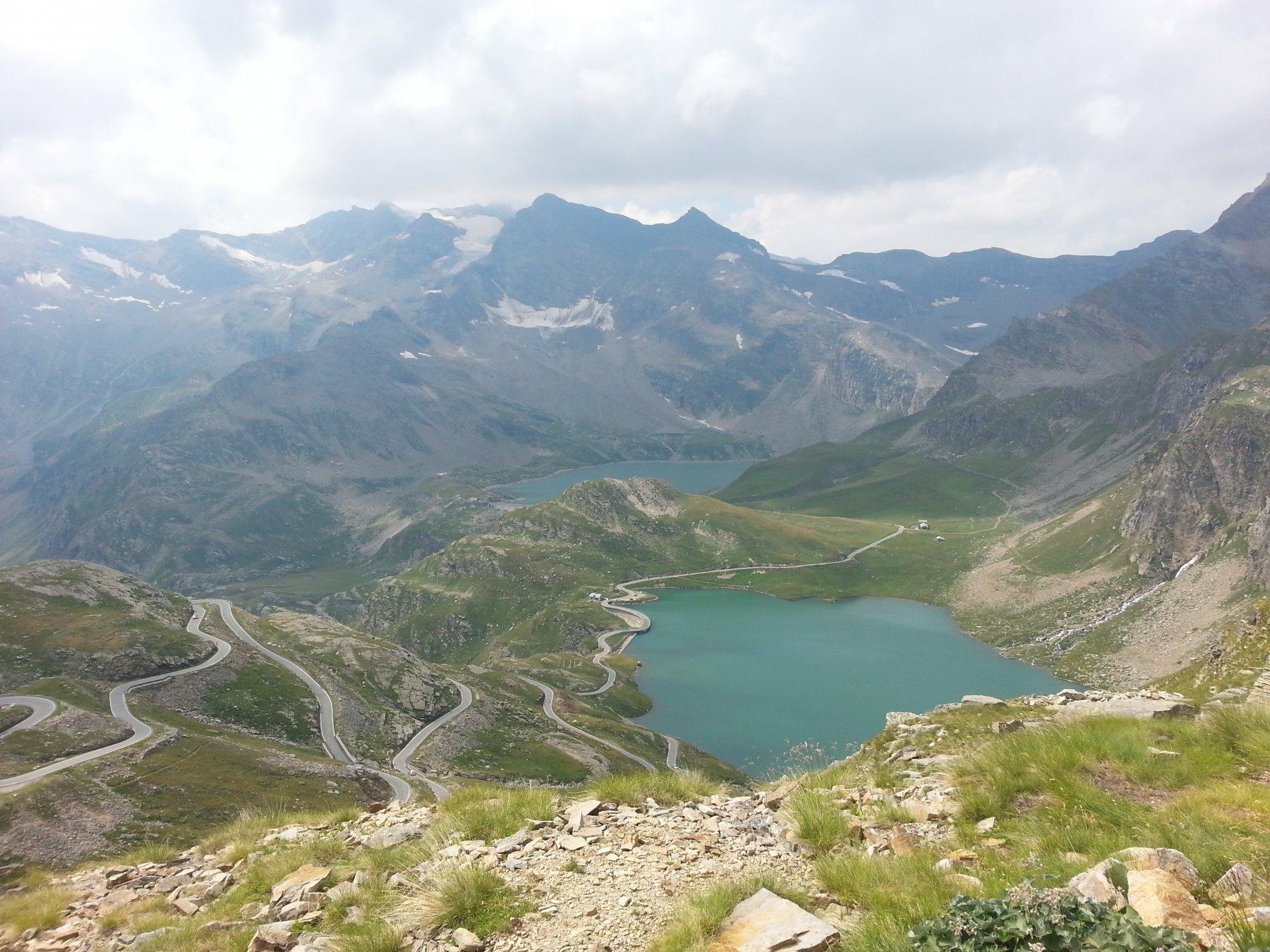 Lago dell'Agnel e lago del Serrù dal Colle del Nivolet