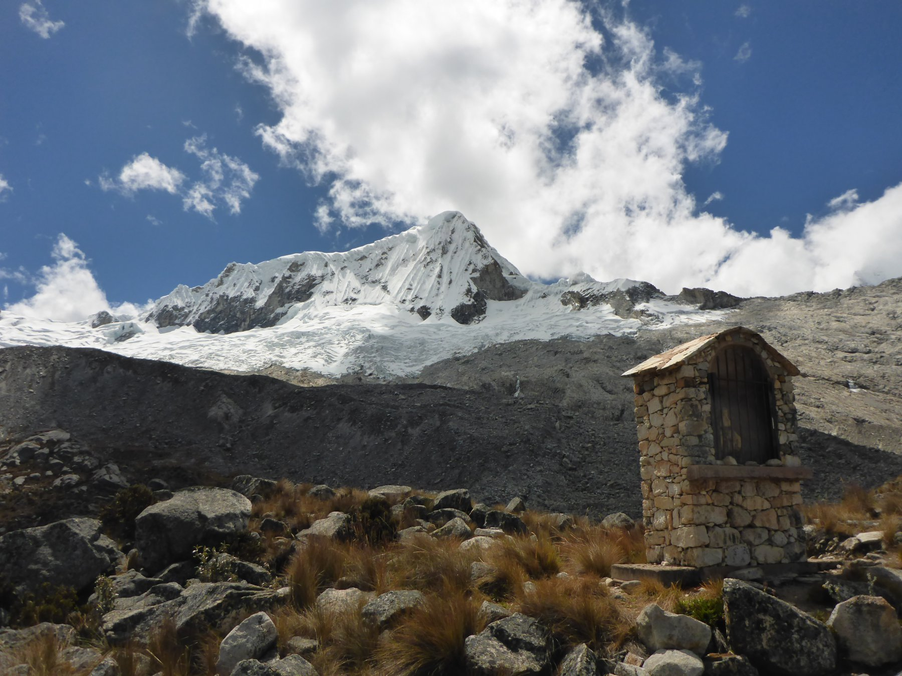 Lungo la salita al rifugio Perù