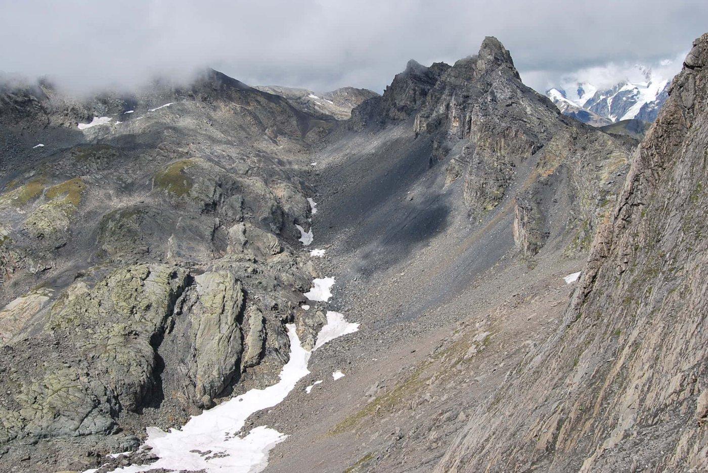 Dal Passage il Col d'Arguerey (o Col des Rousses), l'ultima tentazione … Sullo sfondo il Miravidi