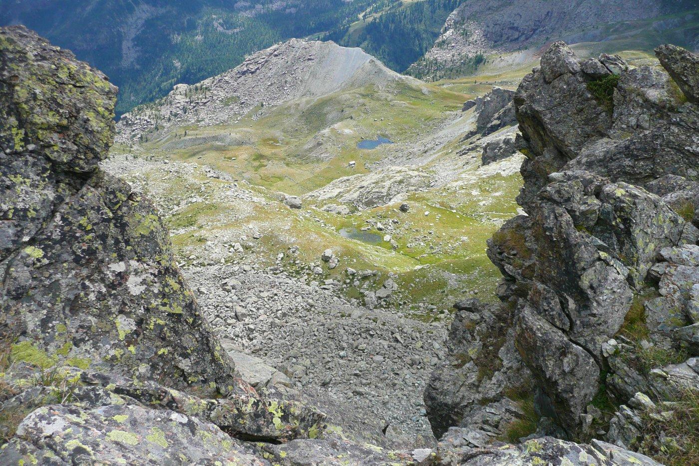 scorcio del versante di salita al colletto dalla cresta della Tete des Hommes