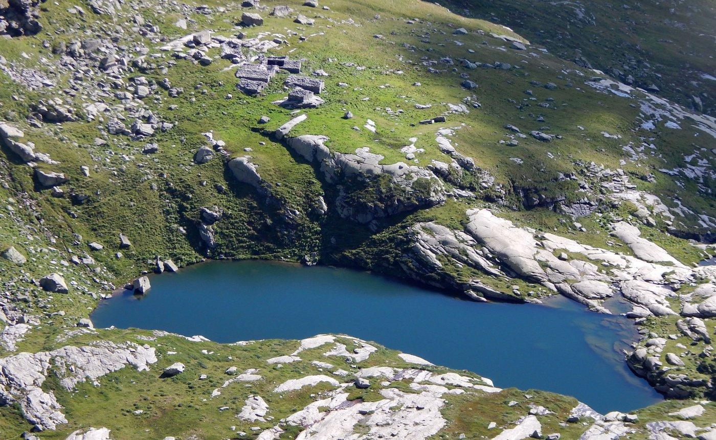 il lago Bojret dalla vetta