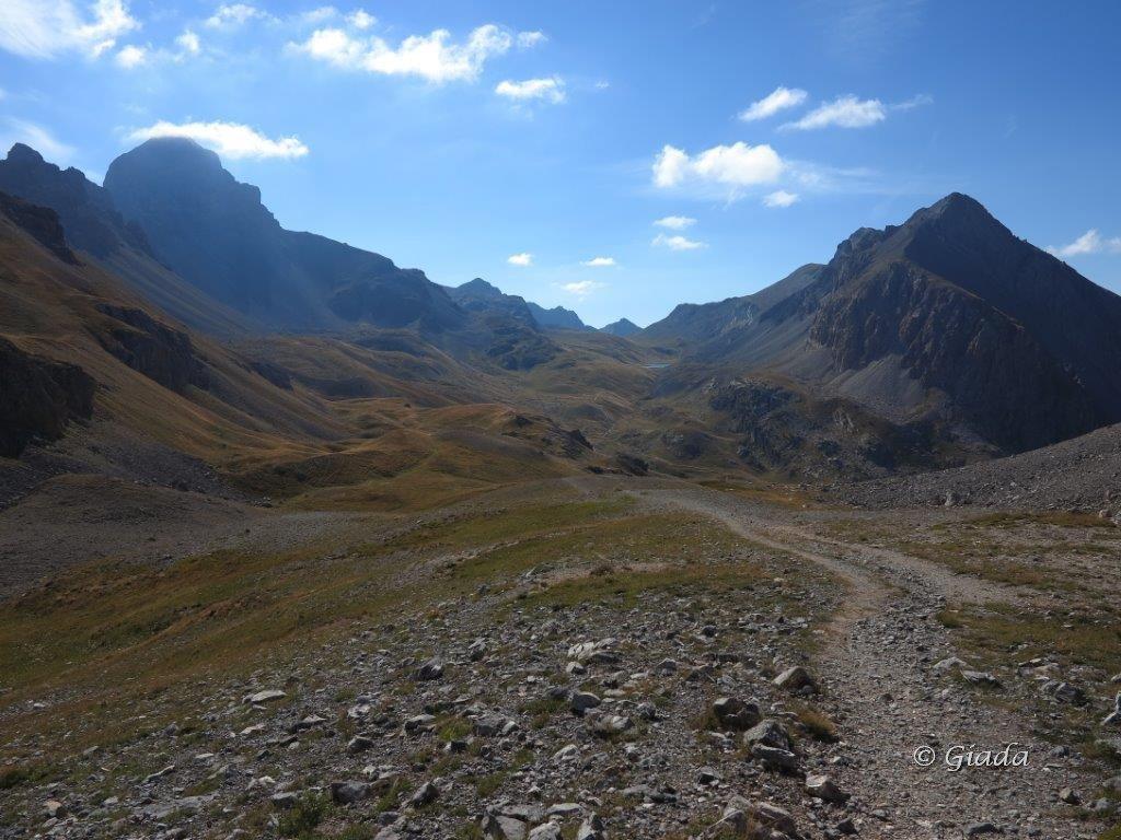 Vista verso il colle di Robeurent da salendo al Col de Gipiere de l'Oronaye
