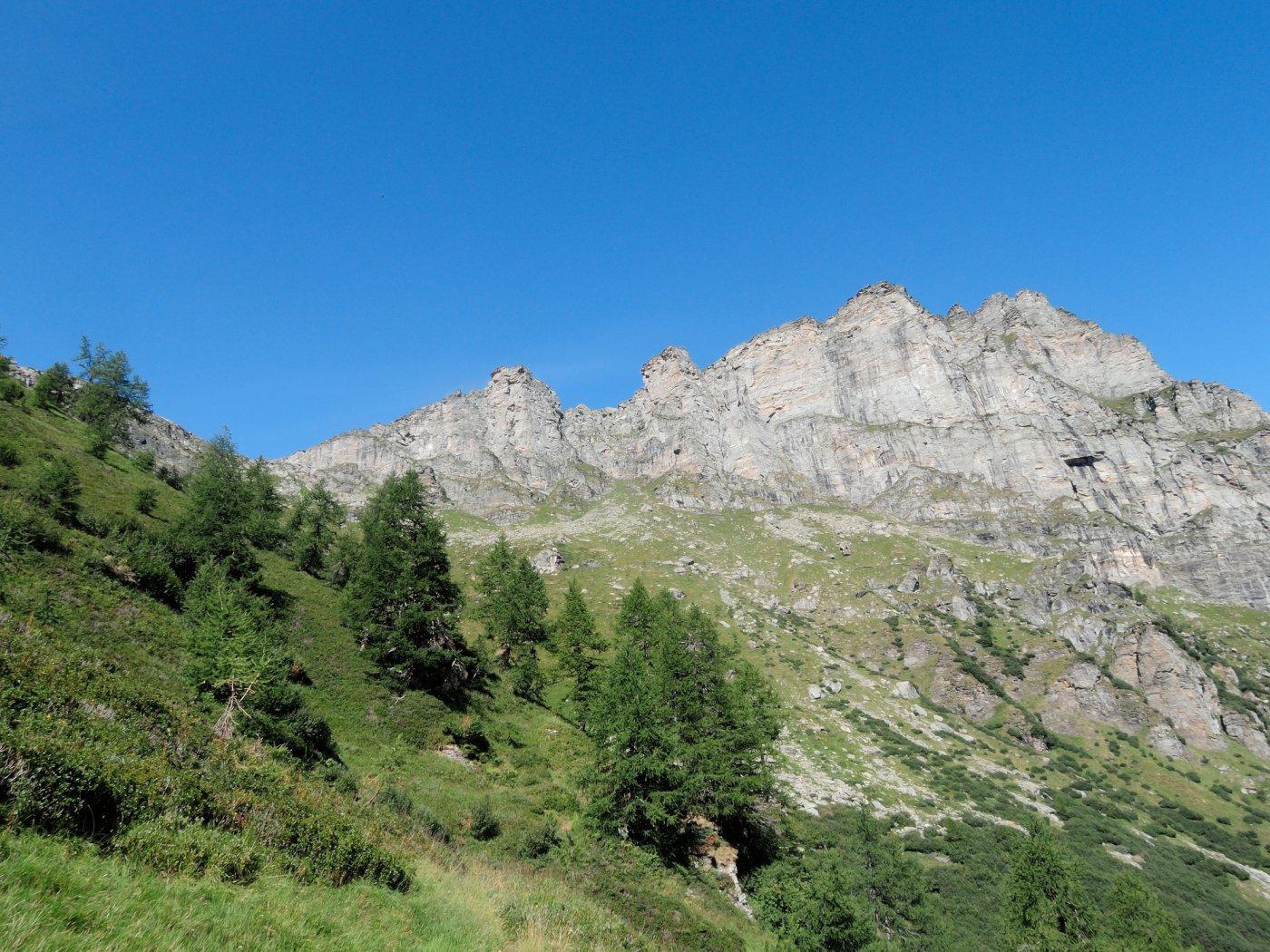 Pizzo Valgrande di Vallè visto salendo al Passo del Croso