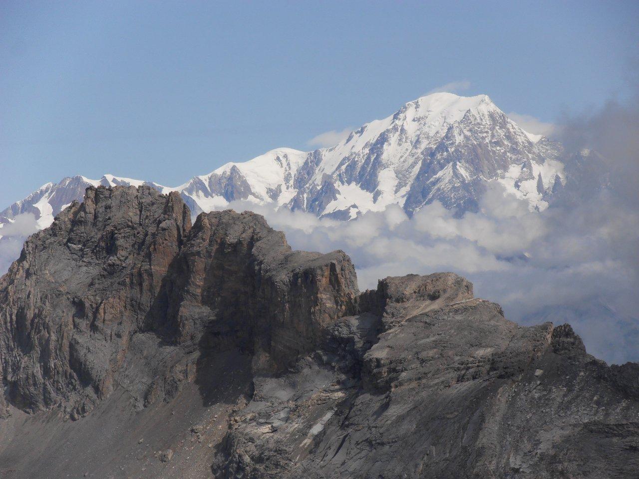 14 - l'Aliet con il Monte Bianco alle spalle