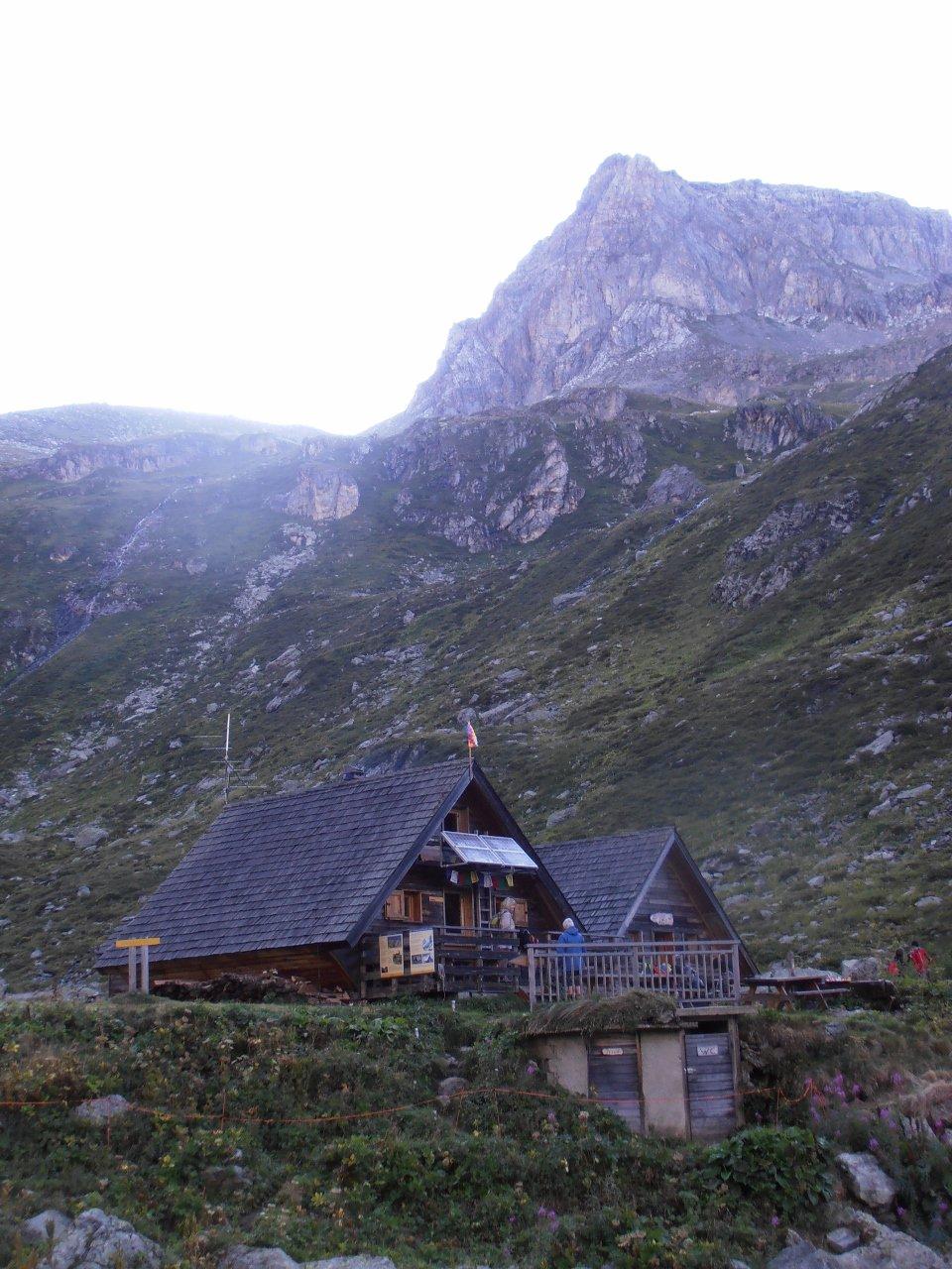 04 - la Roche de Chevres dietro al Refuge de Plaisance