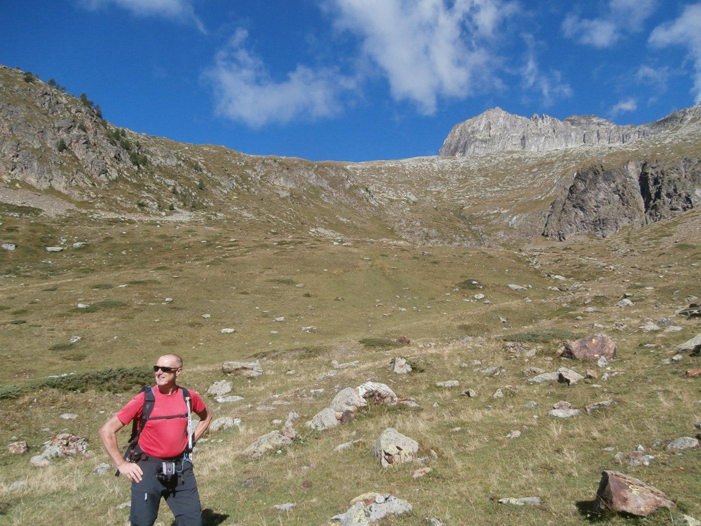 verso l'alpe Luseney... sullo sfondo la meta..
